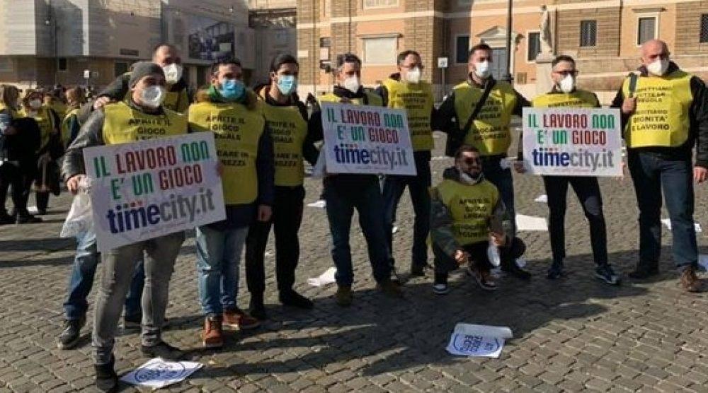 Una protesta degli operatori del gioco legale