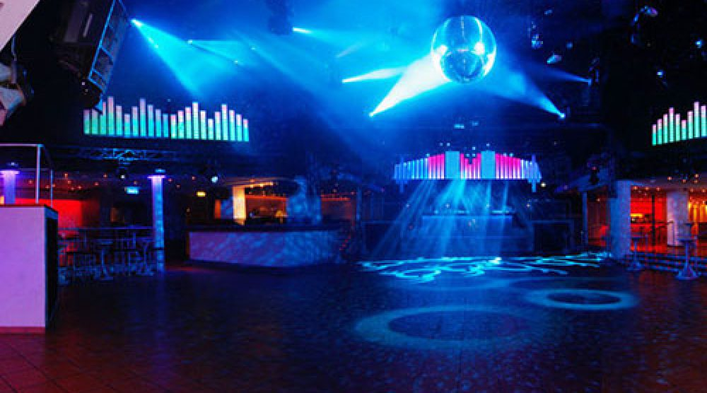 discoteca-vuota